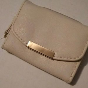 NWT Cream multi pocket wallet